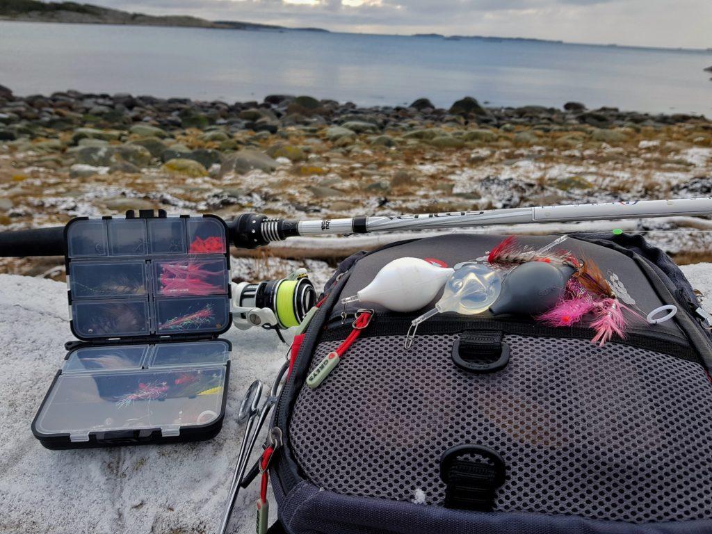 Bjørn Tore Kjølholt, rosareke fisker sjøørret med bombarda dupp.