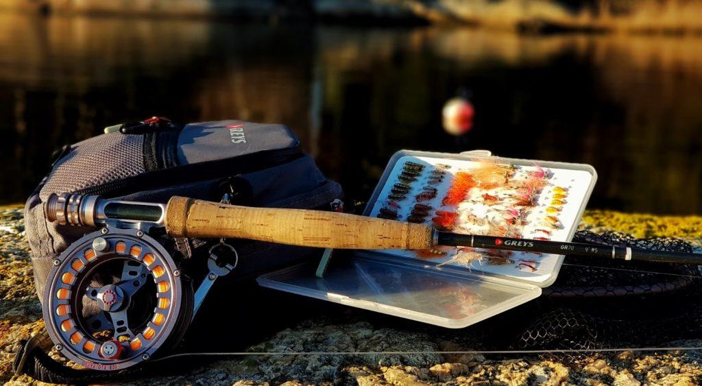 Loppefiske etter sjøørret. Det å bruke lopper som agn til sjøørreten er meget spennende og til tider meget effektivt.