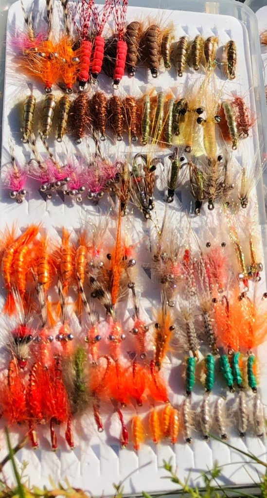 Lopper til sjøørret. Små fluer som imiterer byttedyrene i havet.