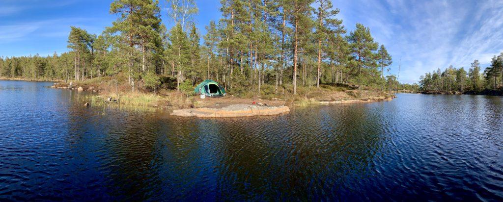 Her er jeg på tur i Ertevann i Trømborg. Campen er på en liten øy.