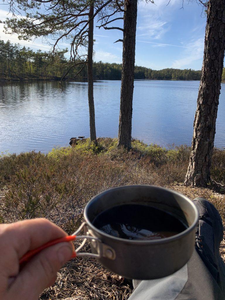 Kaffe med utsikt over Ertevannet.